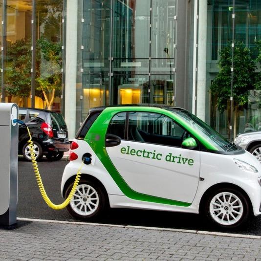 Автовиробник Toyota Motor оприлюднив план переходу на електромобілі
