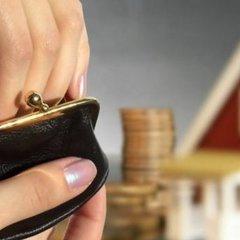 Ніхто не може забирати в українців житло через борги за комуналку, – Рева