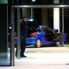 У Берліні автомобіль на швидкості в'їхав в офіс соціал-демократів (фото)