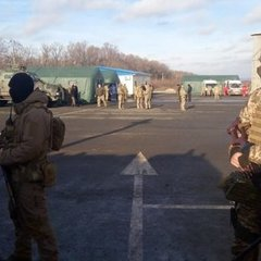 ЗМІ оприлюднили перші імена заручників, яких прийняла Україна