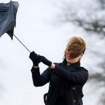 Киян попереджають про шквальний вітер