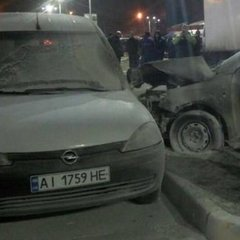 У Києві на парковці біля «Епіцентру» сталась масштабна аварія: постраждало п'ять автомобілів (фото)