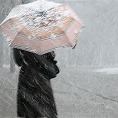 Погода на тиждень: в Україні йтиме дощ з мокрим снігом, потеплішає лише у п'ятницю