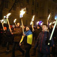 Дух Свободи зашкалював, росіянам цього ніколи не зрозуміти: донеччанин поділився враженнями від смолоскипної ходи у Дніпрі