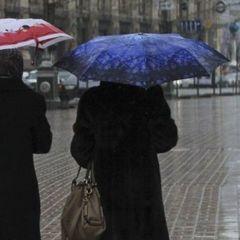 Завтра у Києві тепла погода та дощ