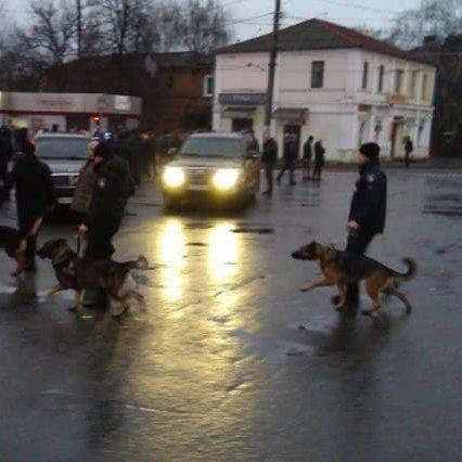 Поліція нагородила чотирьох харків'ян за знешкодження нападника на «Укрпошту»
