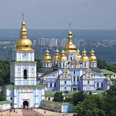 Кінологи та вибухотехніки перевірили Михайлівський собор у Києві