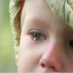 На Київщині жінка на п'ять днів залишила трьох дітей із п'яним співмешканцем