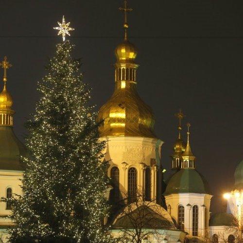 VeteranoPizza та поліція Києва розважатиме дітей на Різдво на Софійській площі (список заходів)