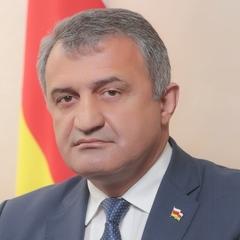 До Донецька приїхав глава самопроголошеної Південної Осетії - росЗМІ