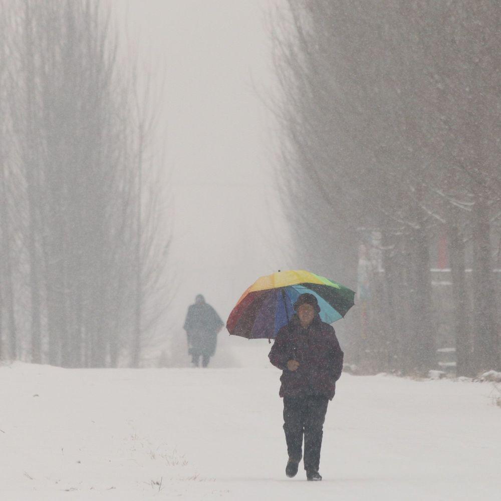 Хурделиця у Китаї зруйнувала 200 будинків, 10 загиблих