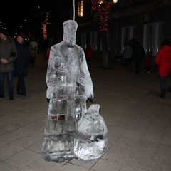 До Різдва у Житомирі встановили шість льодових скульптур (фото)