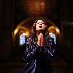 Руслана представила різдвяний кліп-молитву (відео)