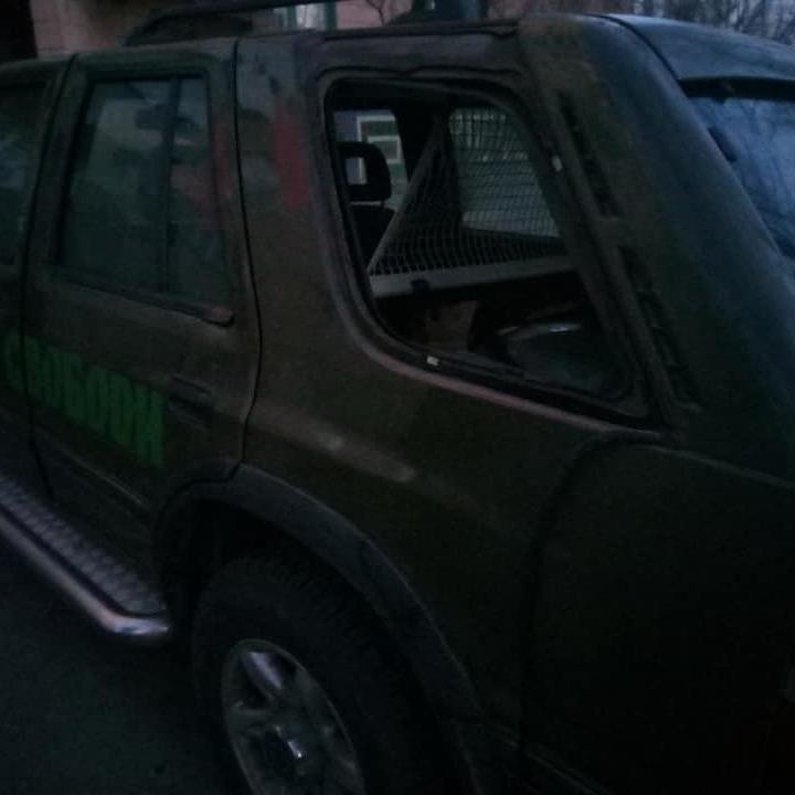 У Полтаві пограбували машину волонтерів з подарунками для бійців