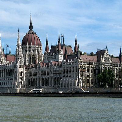 МЗС Угорщини: Будапешт підтримає Варшаву у суперечках з ЄС