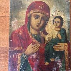 Українець намагався вивезти старовинну ікону за кордон