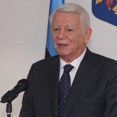 Глава МЗС Румунії назвав «нормальною практикою» видачу українцям румунських паспортів