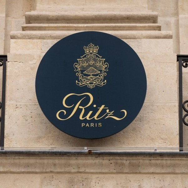 Поліція Парижа знайшла коштовності на мільйони євро, викрадені з готелю Ritz