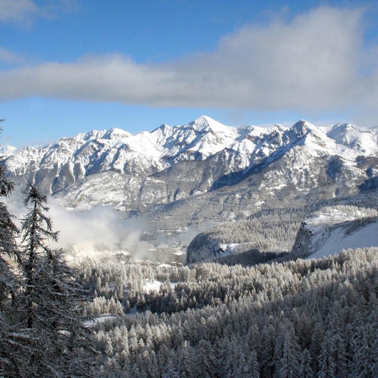 У французьких Альпах випала рекордна кількість снігу