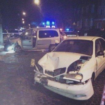 На Старий Новий рік у Львові за ніч сталось три «п'яні» ДТП: з'явились фото