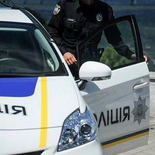 В Одеській області поліцейські відкрили стрілянину, щоб перешкодити п'яному водієві наїхати на інспектора