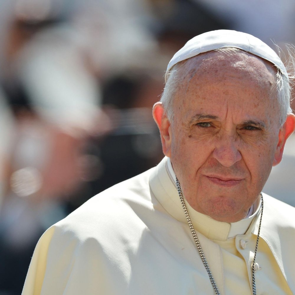 Папі Франциску погрожують: «Наступні бомби впадуть на твою сутану»