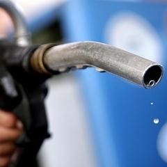 Українські компанії відновили імпорт польського бензину