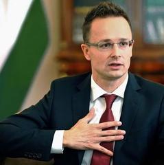 Глава МЗС Угорщини звинуватив Україну в підготовці нових обмежень проти меншин