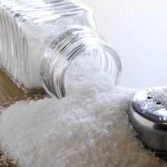 Надмірне споживання солі збільшує ризик хвороби Альцгеймера – дослідження