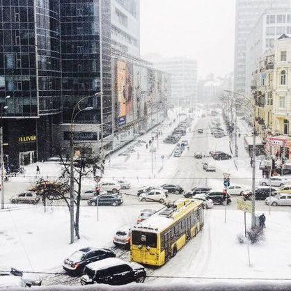 Київ обмежив в'їзд вантажівок через снігопад