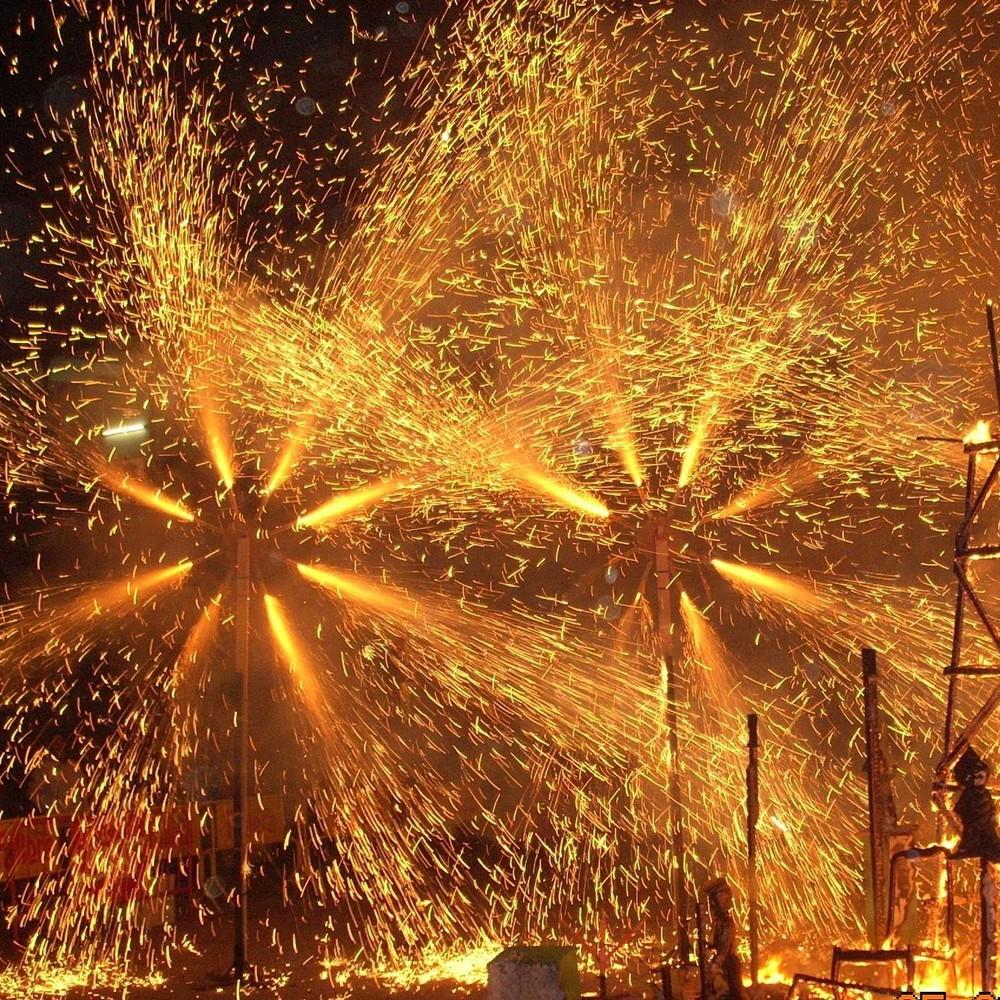 Грандіозна подія: в Іспанії пройшов фестиваль вогню (відео)