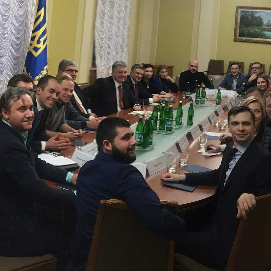 Порошенко провів зустріч із активістами: обговорювалось питання боротьби із корупцією