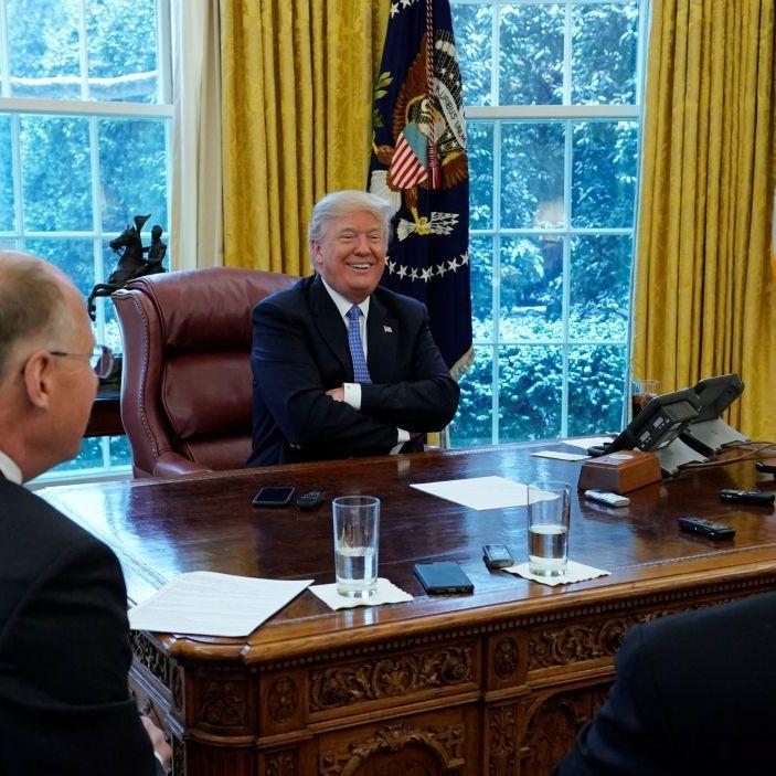 Трамп поскаржився на занадто великі й калорійні порції їжі в Білому домі