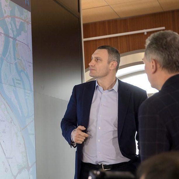 Кличко: «Міський штаб працюватиме цілодобово, щоб оперативно ліквідовувати наслідки снігопадів»