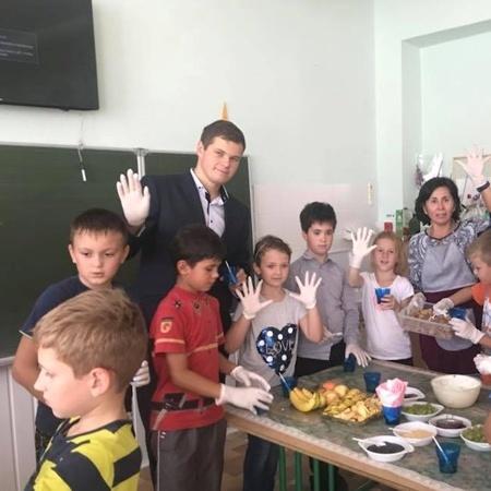 Наймолодшому директору школи в Україні 25 років (відео)