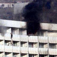 «Співробітники служби безпеки готелю втікали «без бою»»: очевидці трагедії у Кабулі розповіли подробиці