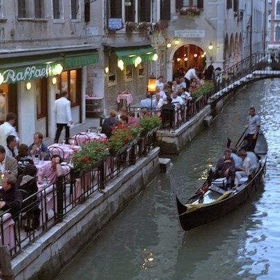 У Венеції туристи заплатили 1100 євро за обід, що складався з 4 стейків та 4 тарілок зі смаженою рибою, влада обіцяє розібратися