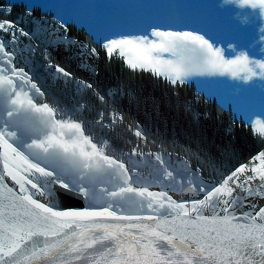 Українців попереджають про лавини в Карпатах