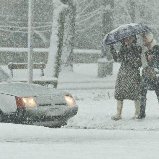 24 січня синоптики оголосили в Україні штормове попередження