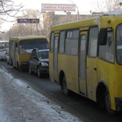 На 19 маршрутах столичних перевізників піднялась вартість проїзду