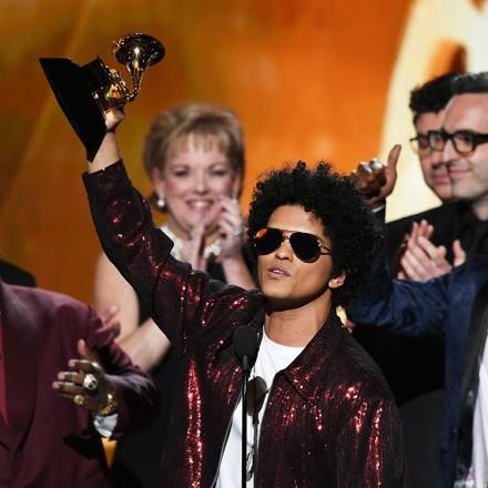 """Премія """"Греммі"""": Бруно Марс і """"Путін"""" стали переможцями"""