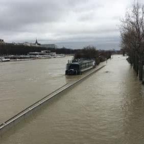 У Парижі на тиждень закрили 7 станцій метро