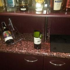 В одному із готелів Львова відвідувач стріляв по офіціантах