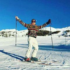 Олег Скрипка оголився на тлі засніжених Альп (фото)