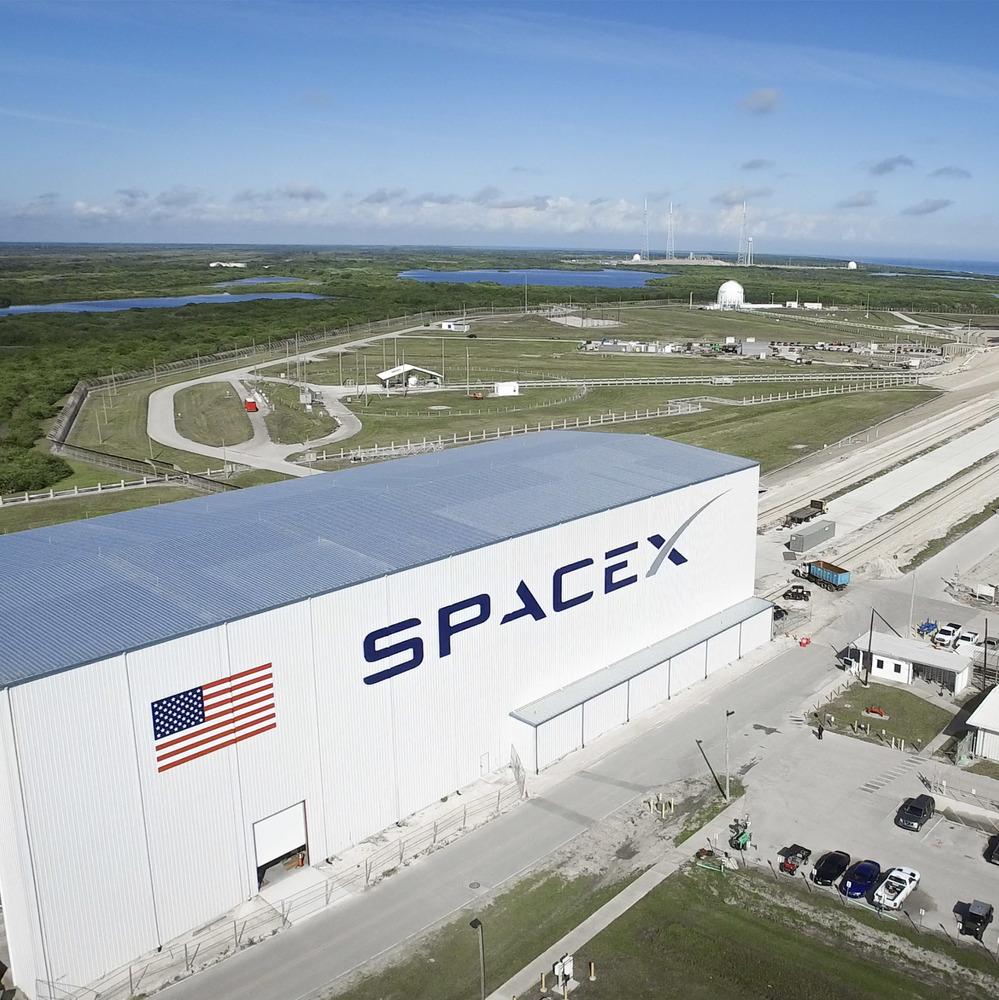 Компанія SpaceX запустила військовий супутник