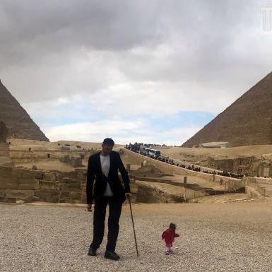 У Єгипті зустрілися найвищий чоловік та найнижча жінка планети (фото, відео)