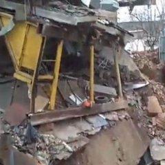 У Харкові будівля провалилась під землю (відео)