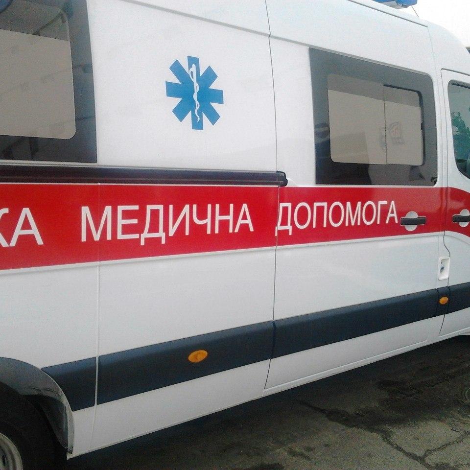 В Одесі врятували чоловіка, який примерз босими ногами до даху будинку