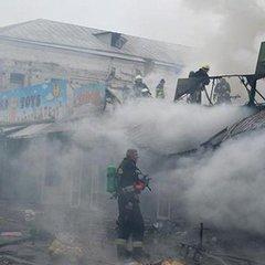 У Дніпрі горіли кіоски місцевого ринку (відео)