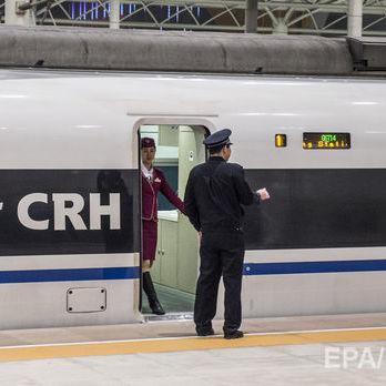 Патрульних на вокзалі в китайському Чженчжоу оснастили окулярами із системою розпізнавання облич
